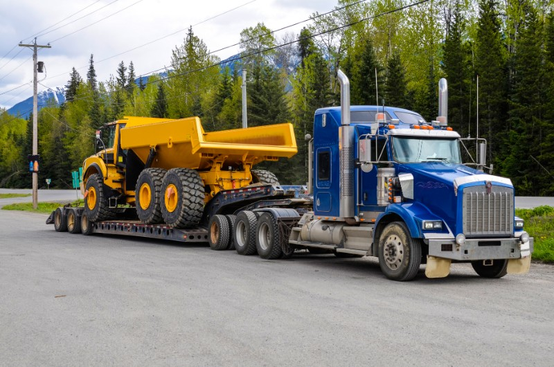What Are the DOT's Regulations For Hauling Heavy Equipment - Heavy Equipment